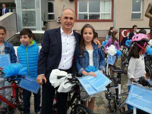Başkan Akgün, bisiklet sözünü tuttu