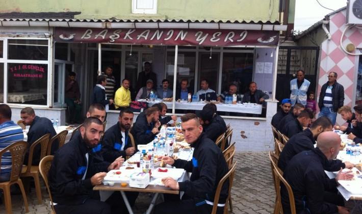 Yörükspor'dan Anafaratalarspor'a kahvaltı…