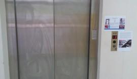 Vali Şahin'den Bir Sağlık Uygulaması Daha:Asansör Yerine Merdiven