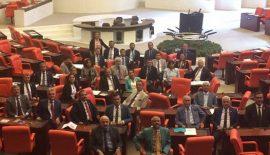 CHP'den Mecliste Oturma Eylemi…