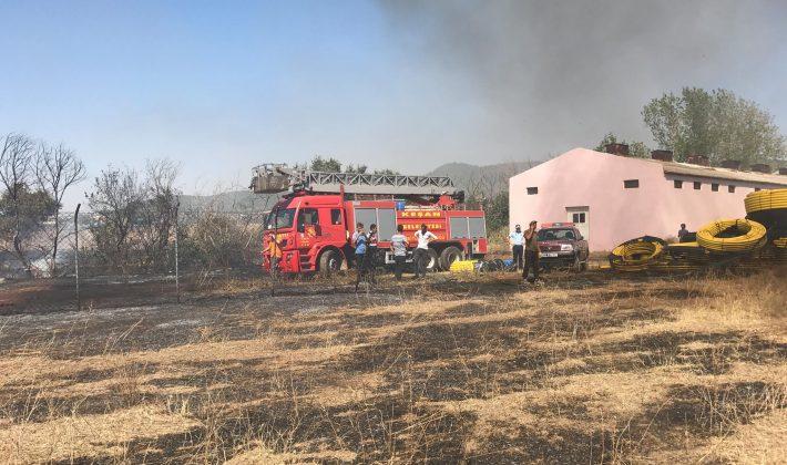 İzzetiye Mahallesi'ndeki Yangın Ucuz Atlatıldı