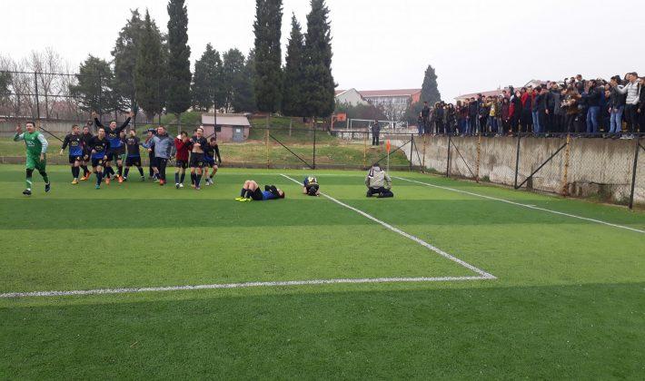 Futbolda İl Şampiyonu Keşan Yusuf Çapraz Anadolu Lisesi