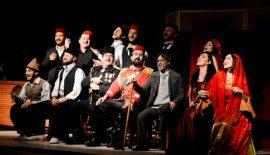 Fehim Paşa Konağı adlı tiyatro oyununun  oyuncu performansları ayakta alkışlarla ödüllendirildi