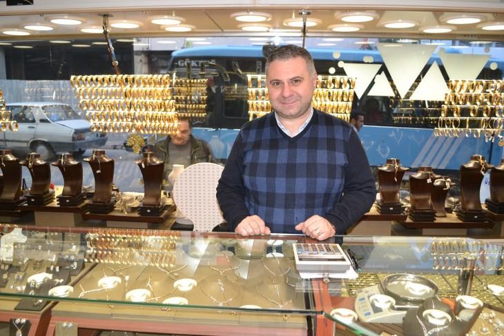Özbek, altın sektörünü değerlendirdi