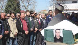 Kazada hayatını kaybeden liseli Ayberk,  son yolculuğuna uğurlandı.