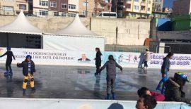 Süleymanpaşa Çocuk Kulübü üyeleri buz pistinde keyifli anlar yaşadı