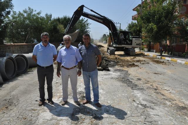 Başkan Özcan Yağmur Suyu Kanal Projesini yerinde inceledi.