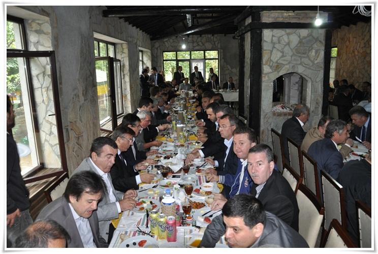 KONSİAD yöneticileri ve Keşanlı işadamları kahvaltıda bir araya geldi…