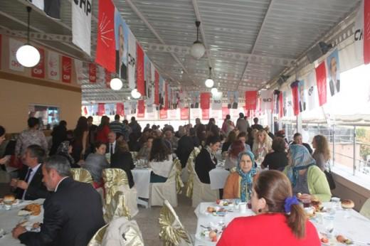 CHP'den Cumhuriyet Kahvaltısı…