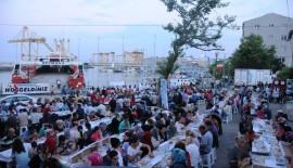 """Barbaros Mahallesi sakinleri oruçlarını """"Ramazan Buluşmaları"""" ile açtı"""