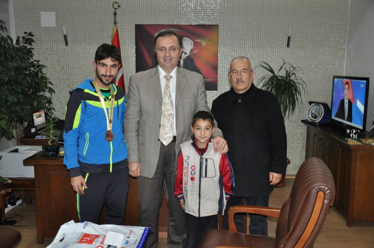 Ahmet Tek'ten Dınkırcı'ya ziyaret