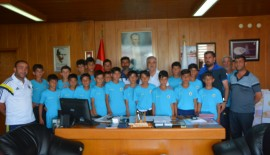 Ağrı Patnos Fenerbahçe Futbol Okulu'ndan Keşan Belediye Başkanı Mehmet Özcan'a ziyaret