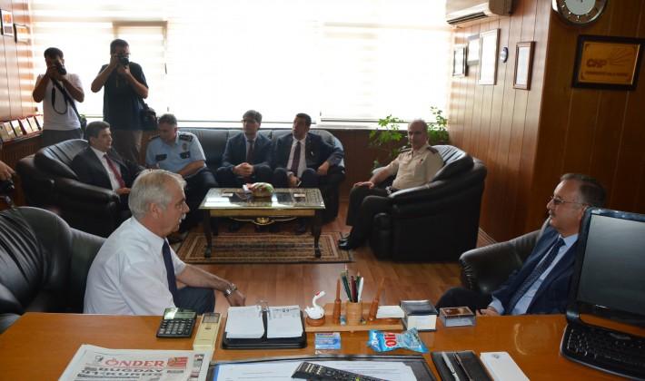 Vali Özdemir'den Keşan Belediye Başkanı Özcan'a ziyaret…