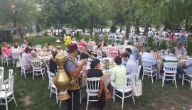Gazetecilerden geleneksel iftar
