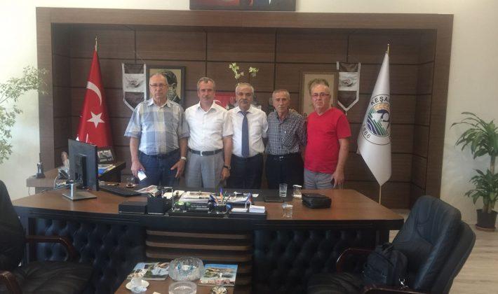 İlçe Müftüsü ve Yayla Sahili Camii Yaptırma Derneği Yönetiminden Özcan'a Ziyaret