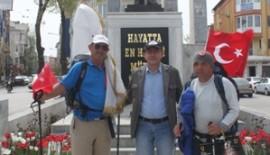 Bosna'dan Çanakkale'ye yürüyen iki Türk Keşan'da konakladı.(Videolu Haber)