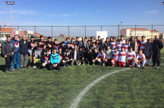 Futbolda Ahmet Yenice Ortaokulu İlçe Şampiyonu Oldu…