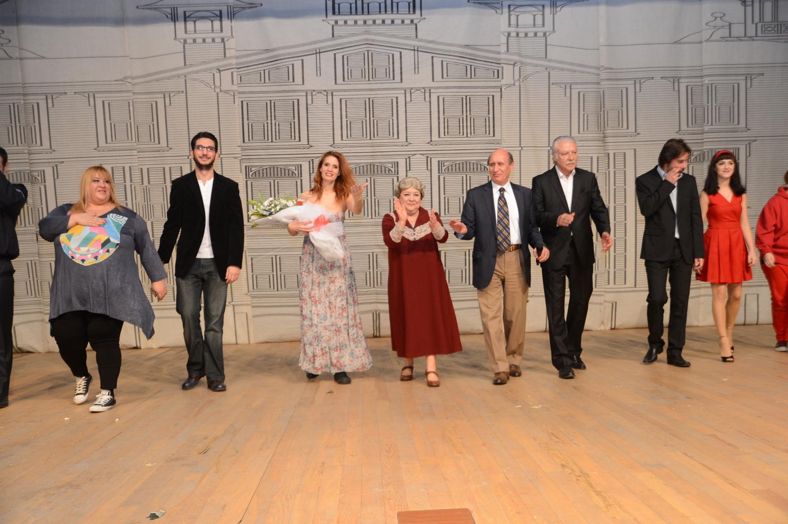 Livaneli'nin oyunu Tiyatroya uyarlandı