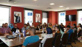 Yabancı öğrenciler Dr. Hasan Akgün'ün başarı sırrını merak ediyor