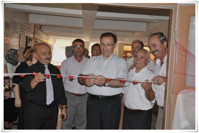 Paşayiğit'te Halk Eğitim Sergisi açıldı…