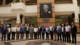 CHP'li Belediye Başkanları: Darbeye şiddetle karşıyız