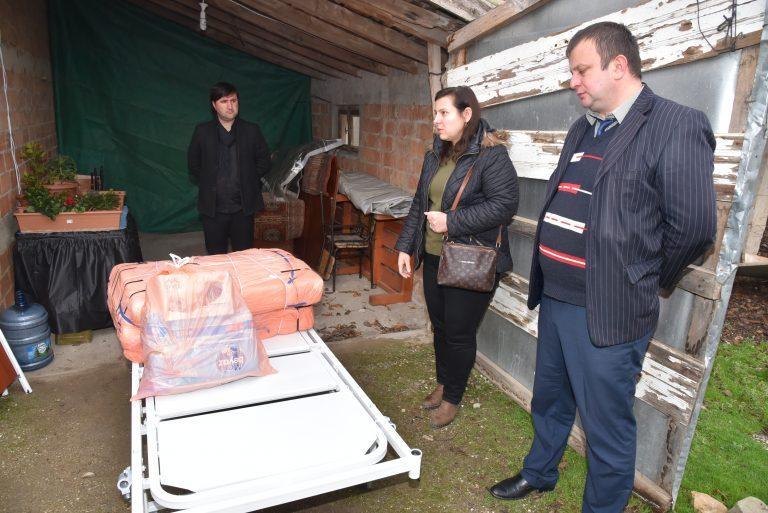 Keşan Belediyesi, hasta yatağı ve havalı  yatağı ihtiyaç sahibi vatandaşla buluşturdu