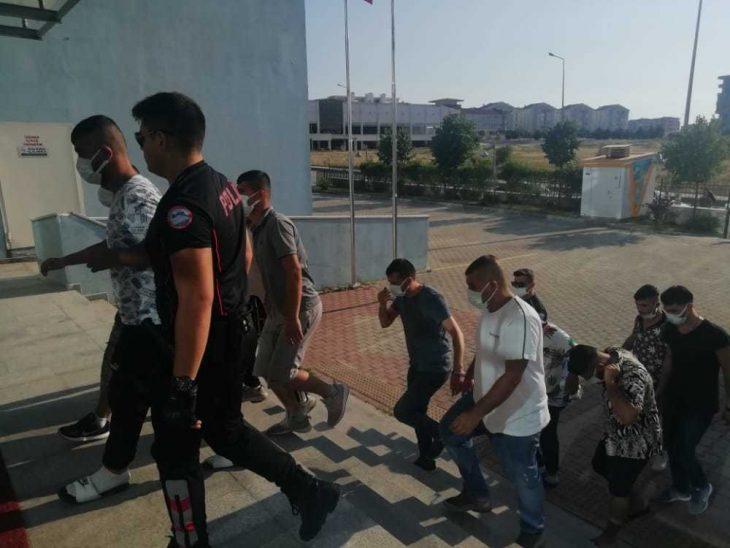 Keşan'da çeşitli suçlardan aranan ve gözaltına alınan 12 kişiden 1'i tutuklandı