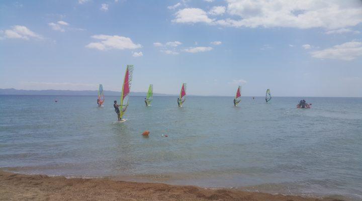 15 Temmuz Demokrasi ve Milli Birlik Günü nedeniyle Erikli'de windsurf etkinliği yapıldı