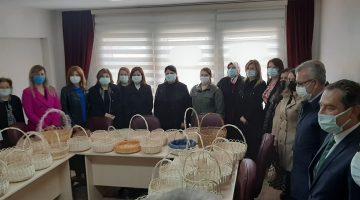 Edirne Milletvekili Fatma Aksal ve Ayten Canalp'tan sepet üreten kadınlara ziyaret