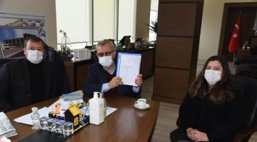 Keşanlı Akademisyen Dr. Fatma Çalık Orhun, Belediye Başkanı Mustafa Helvacıoğlu'nu ziyaret etti