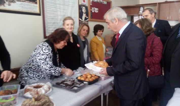CHP Keşan Kadın Kolları Kermes Düzenledi..