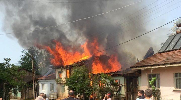 Bursa'da yangından zarar gören 4 evden 2'si kullanılamaz hale geldi