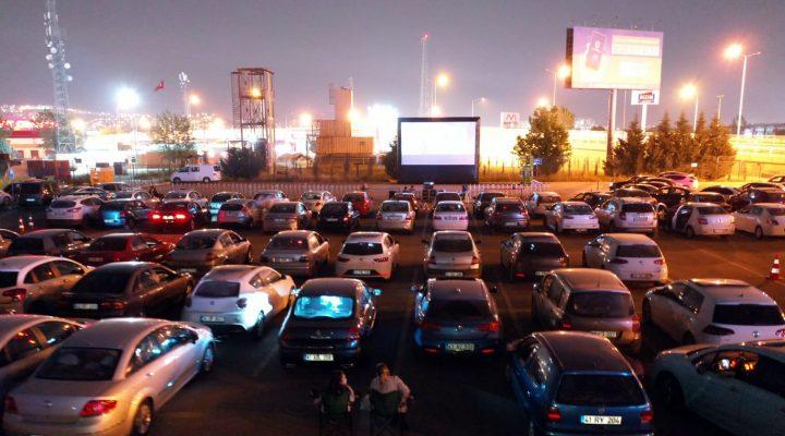 """Kocaeli'de """"açık hava sineması"""" etkinliği"""