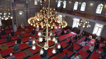 Keşan'da salgın sonrası ilk cuma namazı kılındı