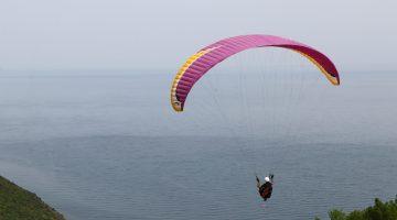 """Uçmakdere """"gökyüzüyle buluşmak"""" isteyen paraşütçüleri bekliyor"""