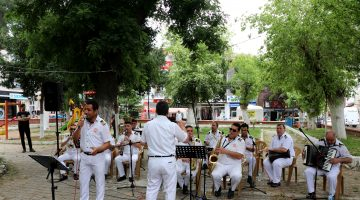 """Edirne bandosundan, """"9/8'lik Trakya havalarıyla"""" moral konseri"""
