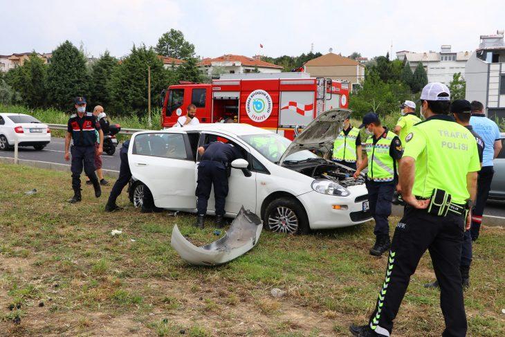 Tekirdağ'da minibüs ile otomobil çarpıştı: 1 ölü, 8 yaralı
