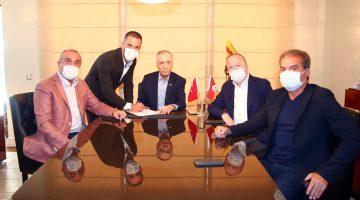 Galatasaray, eski futbolcusu Arda Turan ile anlaştı