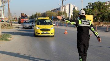 Edirne'de Kovid-19 tedbirleri kapsamında minibüsler denetlendi