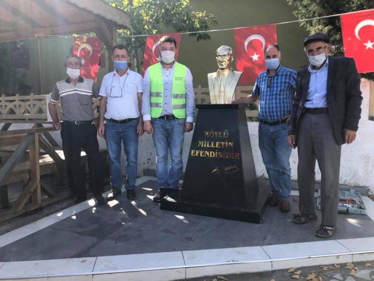 Sülecik Köyünde İYİ Parti tarafından yaptırılan ve saldırıya uğrayarak tahrip edilen Atatürk büstü onarıldı