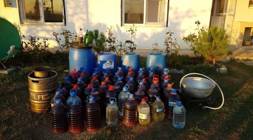Çorlu'da bir bağ evinde 586 litre kaçak içki ele geçirildi
