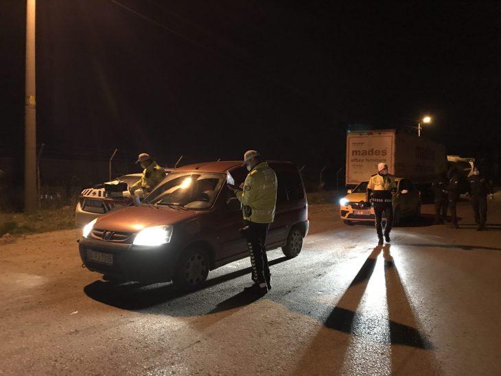 Edirne'de kısıtlamayı ihlal eden alkollü sürücülere para cezası kesildi