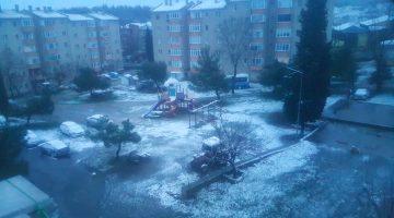Keşanlılar günü karla karşıladı
