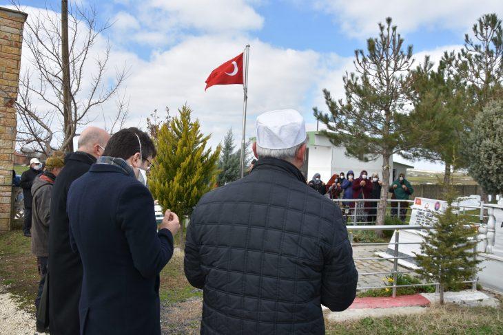 Şehit asker Yunus İşçan, Hayrabolu'da mezarı başında anıldı