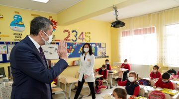 """Milli Eğitim Bakanı Selçuk: """"Sağlık anlamında riske girmeden okullarımızı peyderpey açma kararlılığımız devam ediyor"""""""