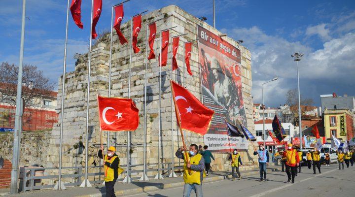 """""""57. Alay"""" için Tekirdağ'dan yola çıkan 57 gönüllüGelibolu'ya geldi"""