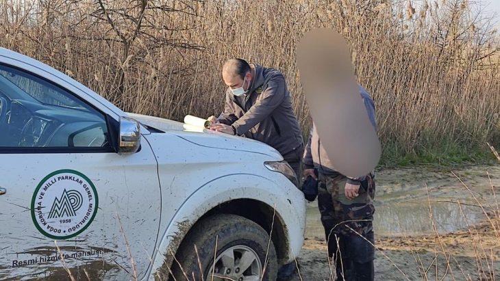 Edirne'de yasağa rağmen ördek avlayan kişiye 11 bin 471 lira ceza kesildi