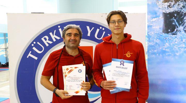 Milli yüzücü Berke Saka, Tokyo Olimpiyat Oyunları'na kota aldı