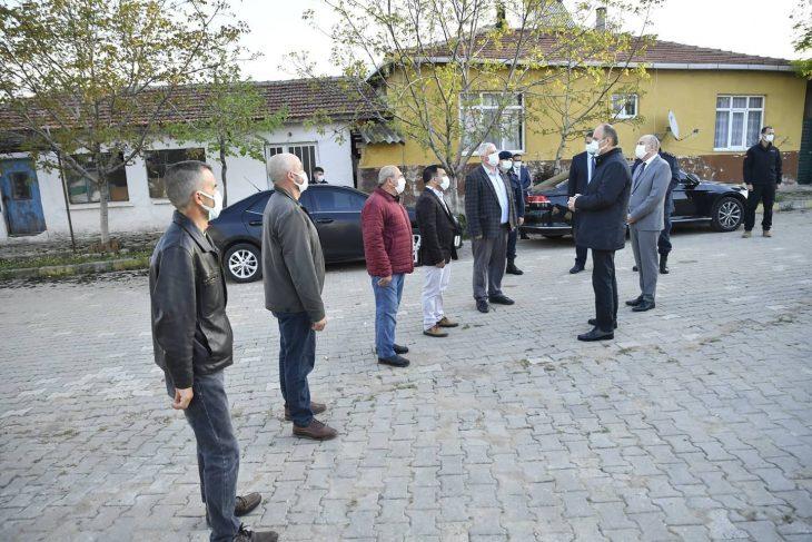 """Edirne Valisi Canalp Keşan köylerini ziyaret ederek """"tam kapanma"""" sürecinde tedbirlere uyulmasını istedi"""