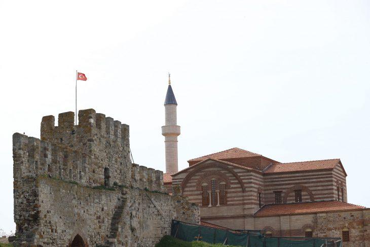 Enez'de Fatih'in yadigarı, 56 yıl sonra yeniden ibadete açılacak caminin restorasyonunda sona gelindi